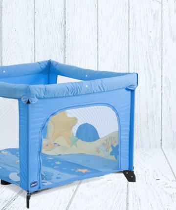 Il box Chicco, colorato e morbido, accoglie il bambino nei momenti di svago, sin dai primi mesi.